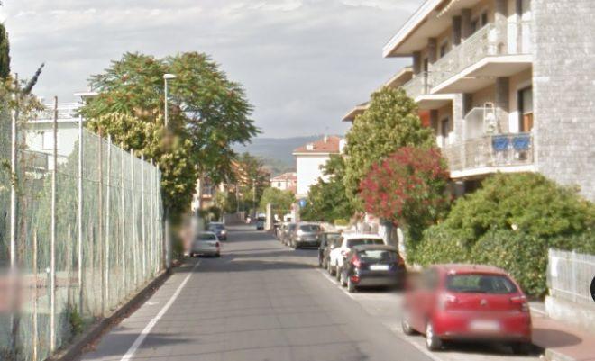 Diano Marina asfalta via Capocaccia che da lunedì viene chiusa al traffico