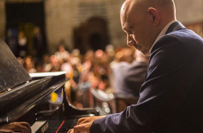 """Sabato a Diano Marina il pianista dianese Diego Genta presenta il suo  nuovo CD """"Colors"""""""