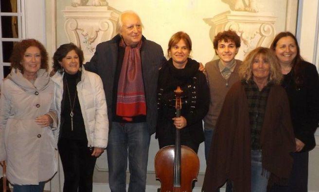 Un successo a Cervo l'intervista di Viviana Spada allo scrittore imperiese Giuseppe Conte