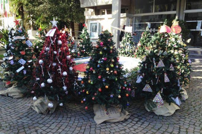 Diano Marina accende completamente le luminarie di Natale costate 25 mila euro alle casse comunali