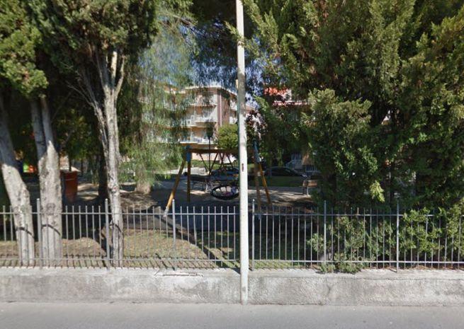 """Il Comune aggiusta il parco giochi """"Ambarabà"""" in via Campodonico a Diano Marina che tornerà ad essere funzionante"""