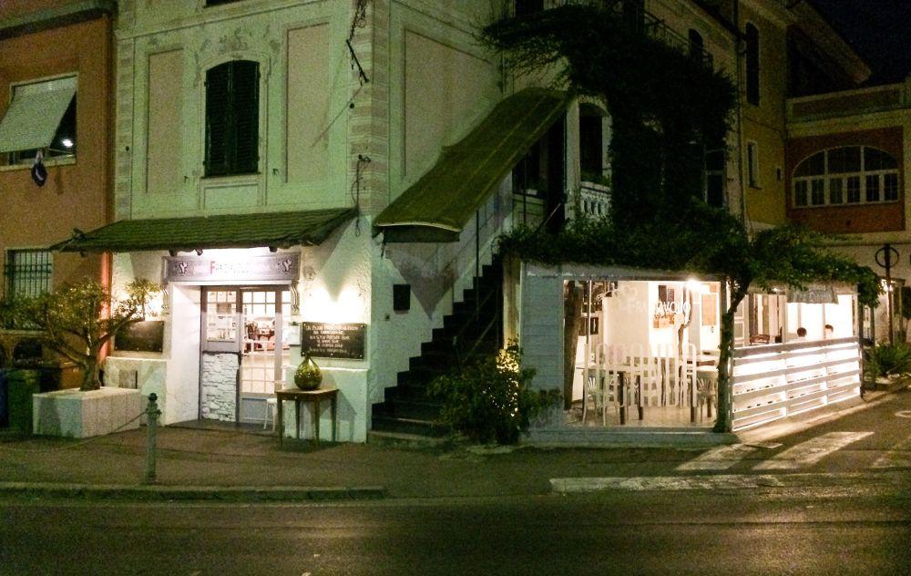 """La Pizzeria """"Fra Diavolo"""" di Diano Marina offre gratis il pranzo di Natale a 80 poveri del Golfo Dianese!"""