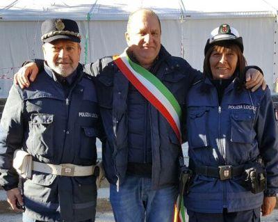 Franco Mistretta insieme al Sindaco di Montemonaco e alla collega di Albenga
