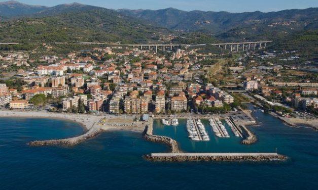 Diano Marina piange ma San Bartolomeo si frega le mani: aumentano i turisti e soprattutto gli stranieri
