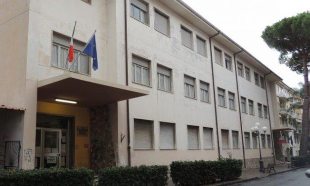 Rifatti i bagni al plesso scolastico di via Biancheri a Diano Marina per una spesa di 23.411 euro