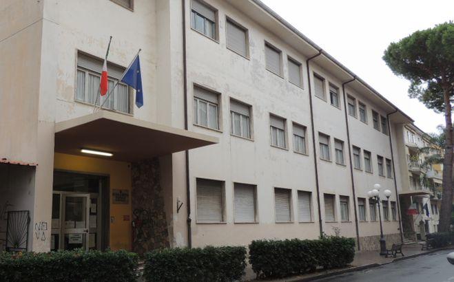 Il Comune di Diano Marina stanzia 8 mila per l'acquisto di nuovo arredamento per la scuola