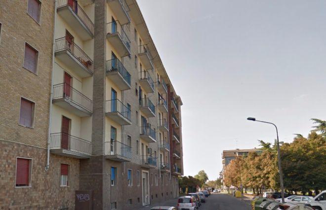 Si intasa la colonna di scarico, un appartamento a Tortona invaso dalle feci