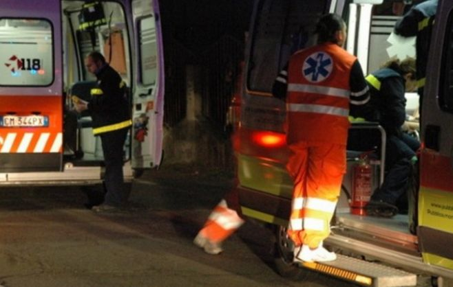 Brutto incidente fra due camion alla periferia di Tortona, grave un uomo