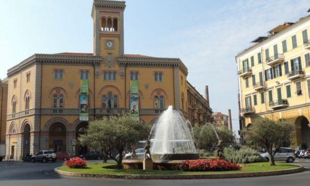 Ragazzo di 15 anni spacciava droga nella centralissima Piazza Dante a Imperia all'insaputa del padre, denunciato dalla Polizia