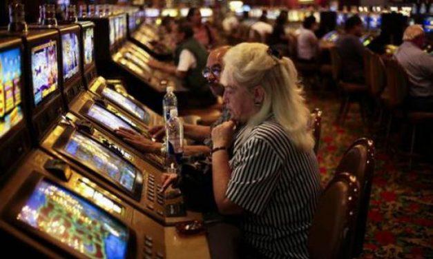 A Tortona multate due Sale Giochi che avevano le slot accese prima delle 14 contro l'ordinanza del Comune
