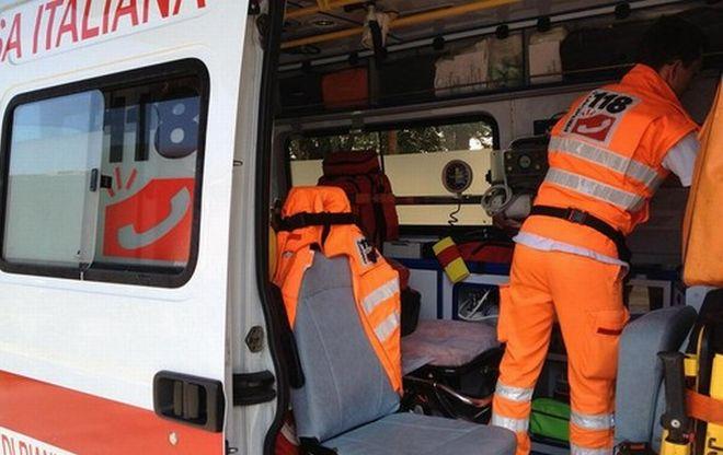 Auto fuori strada a Sanremo, un uomo ricoverato in ospedale con una prognosi di circa un mese