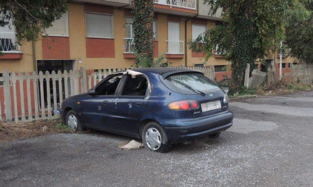 Il Comune di Diano Marina inizia a togliere i veicoli abbandonati sul territorio comunale