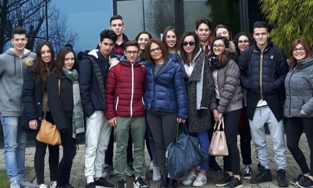Una visita degli studenti tortonesi del Marconi a Villafranca per