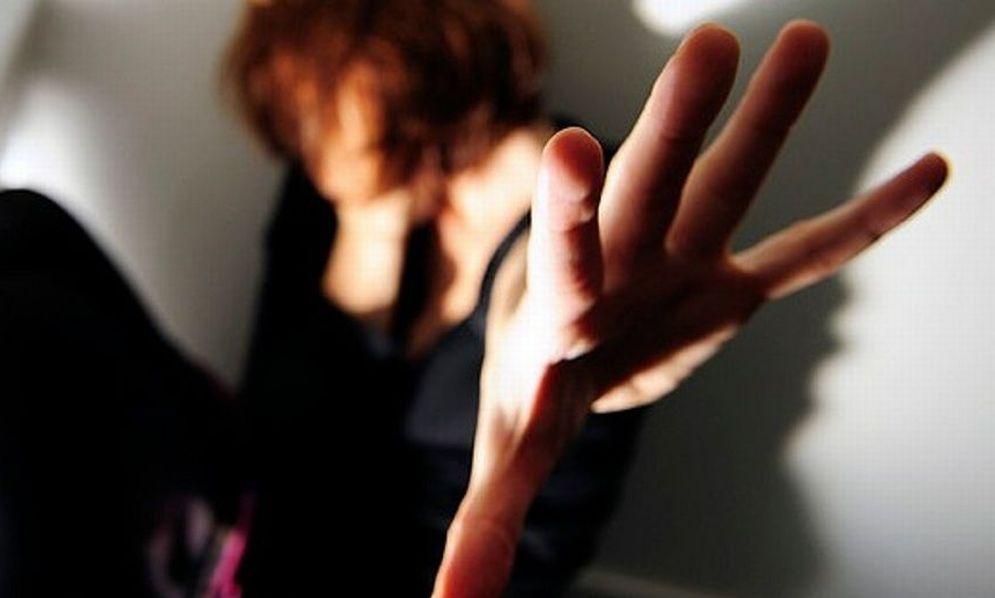 Barista di Novi Ligure difende la fidanzata (italiana) di un marocchino che la schiaffeggia ma viene picchiato dall'africano e da un suo amico