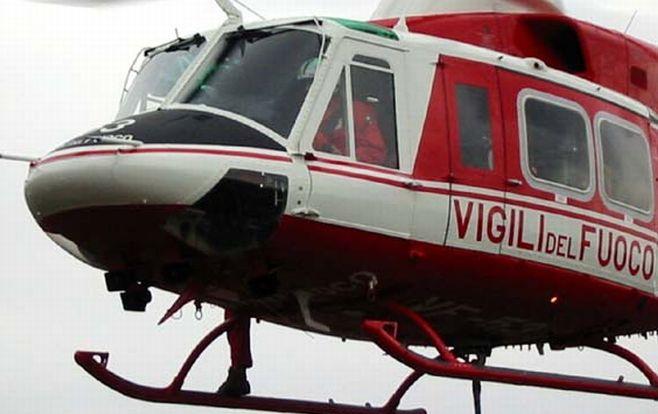 Pensionato 70enne di Sanremo cade da un muretto alto due metri e si spacca la schiena. Con l'elicottero al Santa Corona