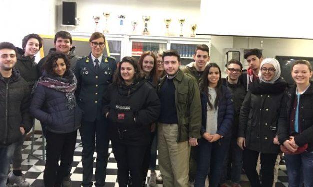 """Gli studenti del """"Marconi"""" di Tortona incontrano la Guardia di Finanza"""