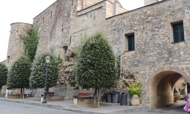 """A Cervo la mostra """"AUTORItratti per il Premio Strega."""" Si inaugura domenica al Castello"""