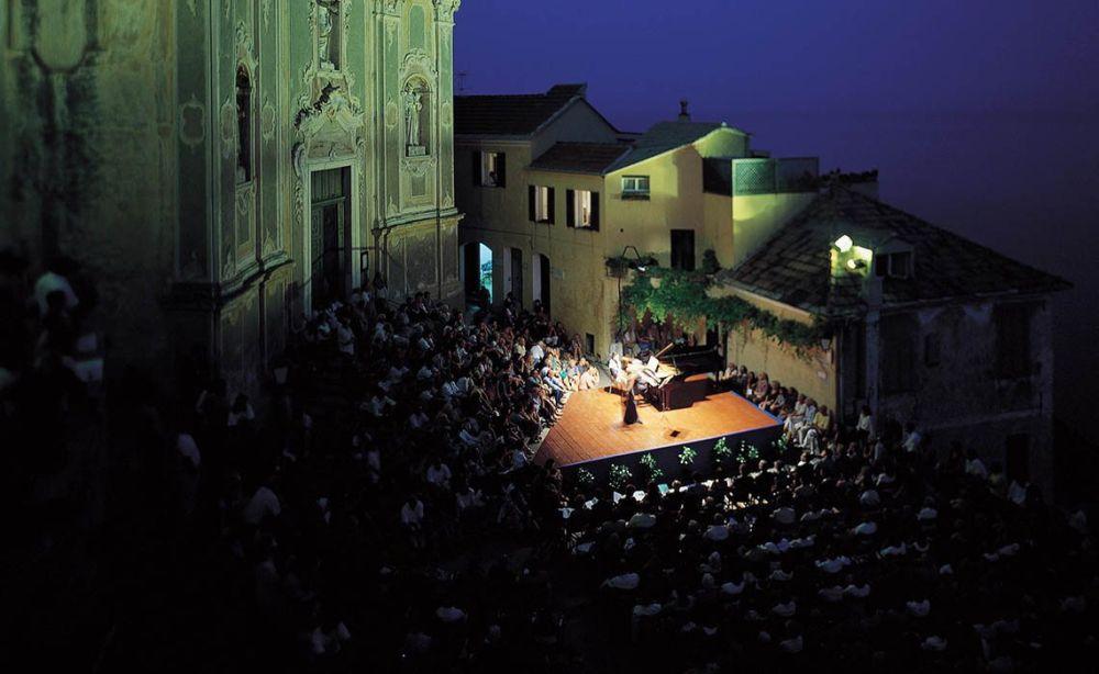 La Direzione artistica del Festival di Cervo a Michel Balatti di Albisola costa 17.820 euro all'anno