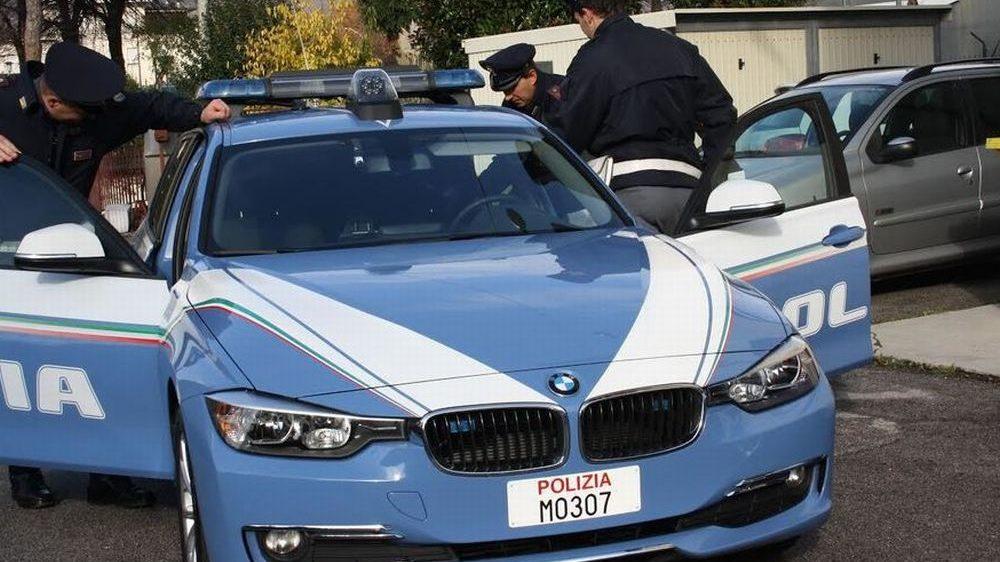 La Polizia stradale di Alessandria scova un camionista serbo con patente fasulla