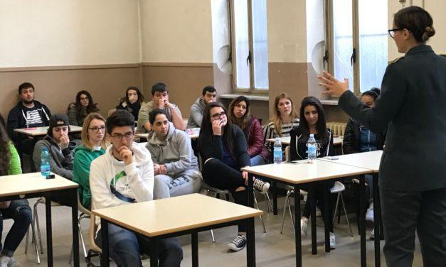 Gli studenti tortonesi del Marconi a scuola di Legalità con la Guardia di Finanza