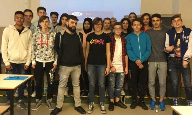 """I giovani studenti tortonesi del Marconi contro le mafie insieme a """"Libera"""""""