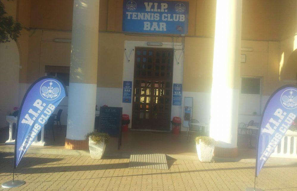 Chi vuole gestire il bar del tennis di Diano marina? L'Associazione sportiva chiede solo un rimborso spese per le utenze