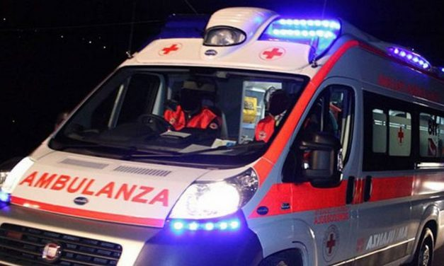 Brutto incidente stradale a Sale, grave una donna ricoverata in ospedale