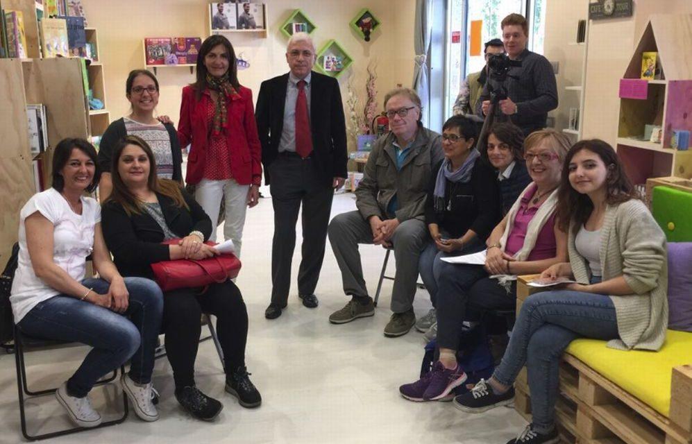 """A Voghera anche l'assessore Marina Azzaretti alla presentazione il libro """"Le tre scelte della vita"""" di Angelo Bottiroli"""