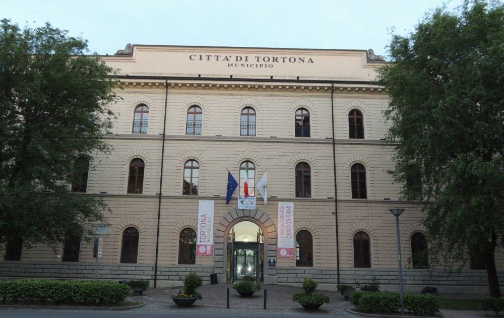 In municipio a Tortona un incontro pubblico sull'anima dei servizi educativi.