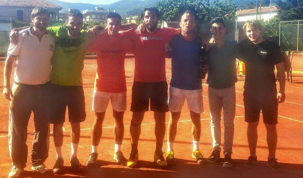 La squadra del Vip Tennis di Diano Marina promossa in serie C. Soddisfatto il gestore del tennisclub Loris Leone