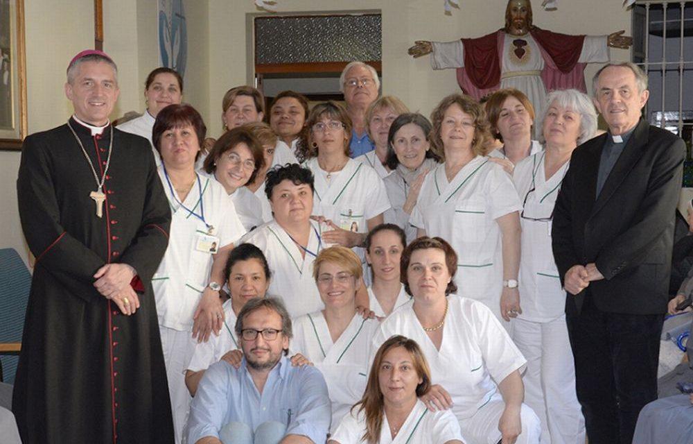 Il vescovo di Tortona va a trovare le suore di Pontecurone e le operatrici/Il racconto di una lettrice