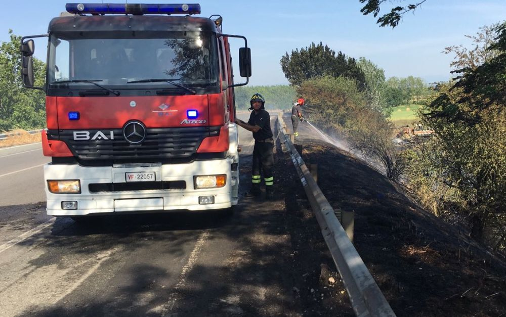Tortona e il Tortonese assediati dalle fiamme: cinque incendi in 24 ore e quasi tutti dolosi