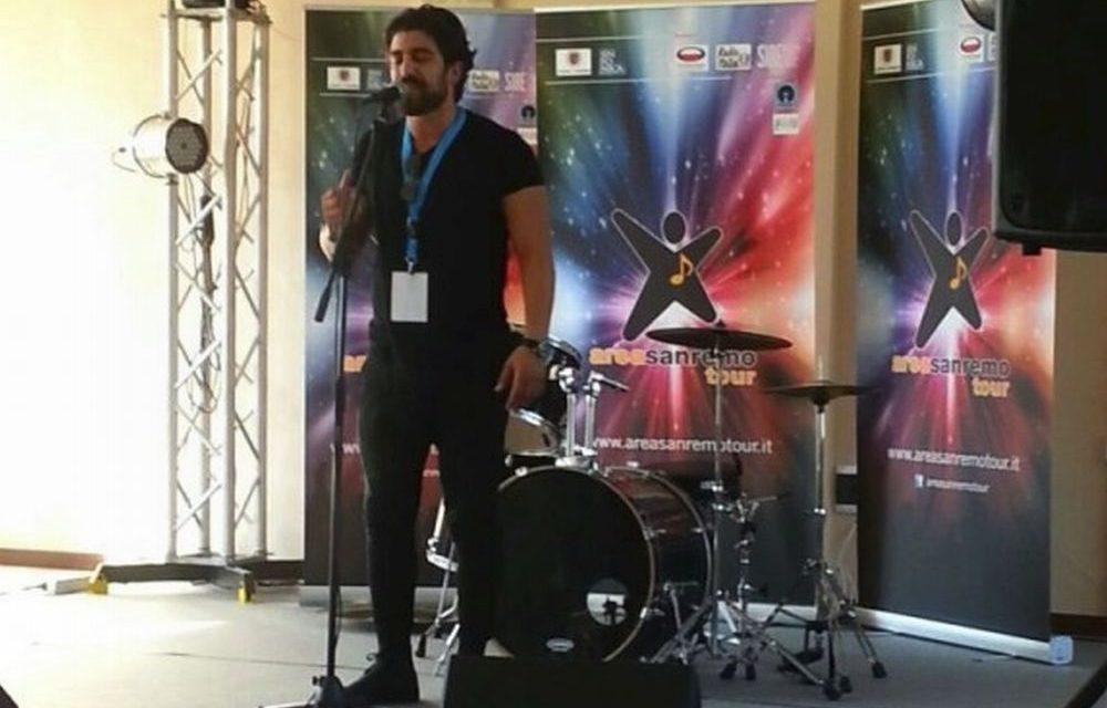 Grande successo per Simone Alessio: il cantautore di Diano marina supera la prima selezione per partecipare al Festival di Sanremo 2018