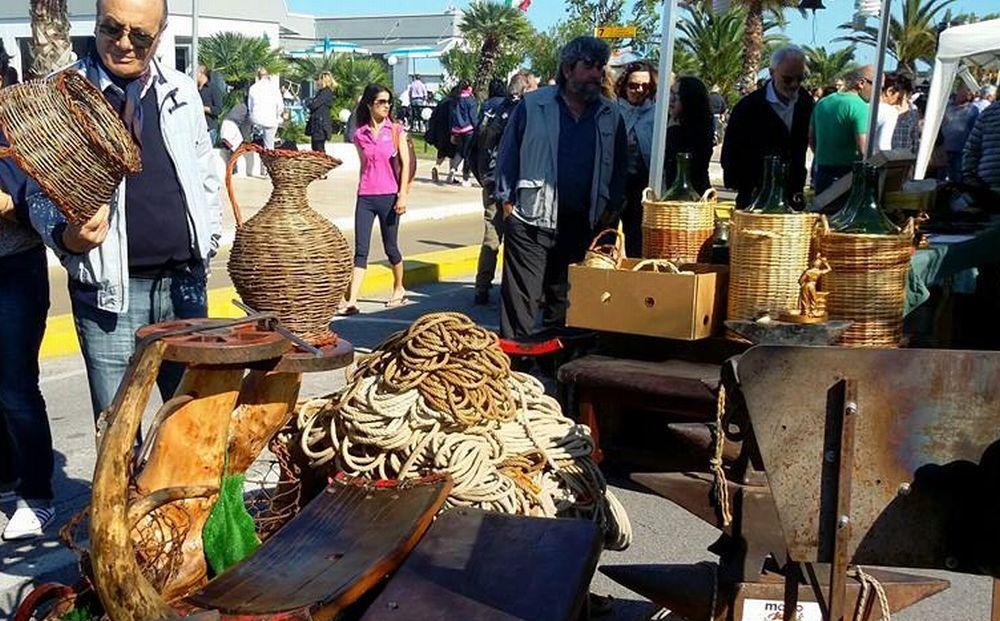 Sabato a San Bartolomeo al mare torna la mostra mercato del piccolo antiquariato e collezionismo