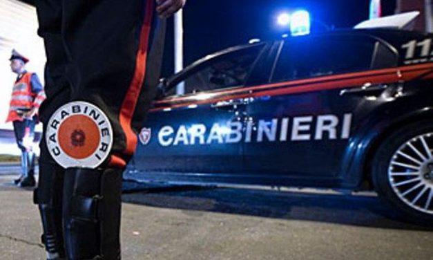 A San Sebastiano Curone preso un uomo che viaggiava con un coltello sull'auto