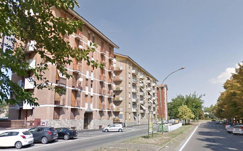 Donna tortonese sventa un furto in viale Einaudi mettendo in fuga i ladri a mezzogiorno