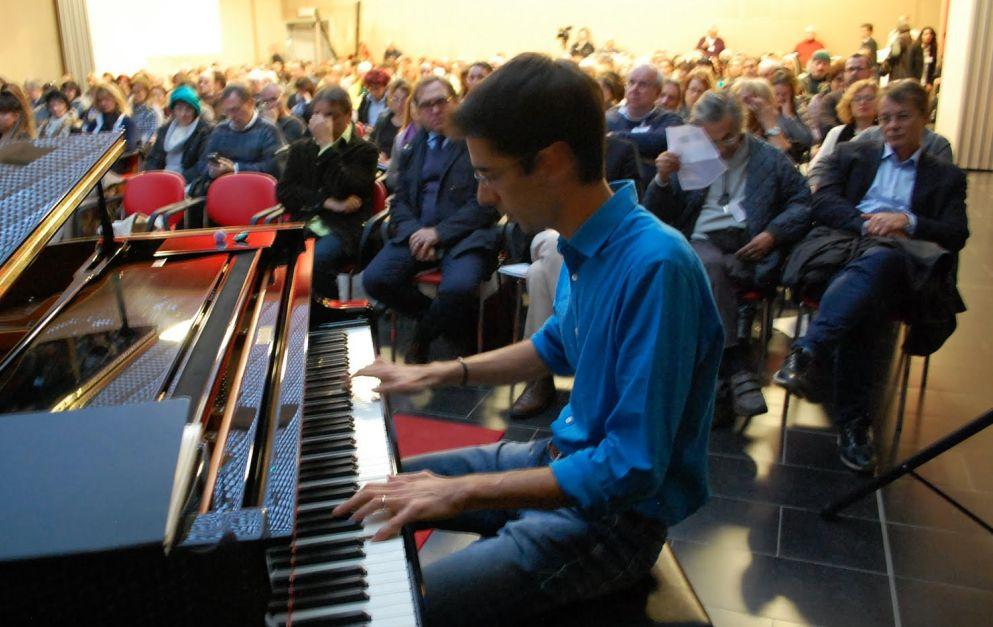 Domenica a Diano marina c'è il concerto di Emiliano Toso. Ingresso 15 euro