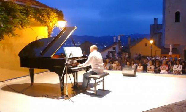 Notevole  successo a Cervo del concerto del pianista dianese Diego Genta