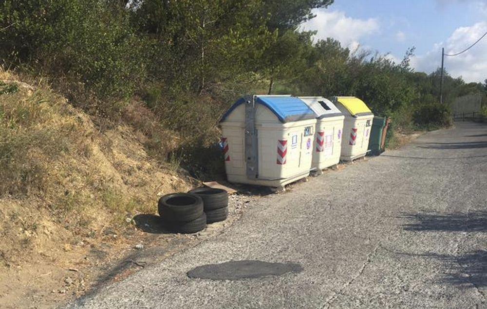 """A Diano marina un'automobilista abbandona 4 gomme lungo strada per Diano Castello e riceve la """"benedizione"""" dell'assessore"""