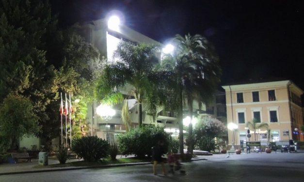 Il Comune di Diano marina sostituisce i pali della  luce in alcune strade che saranno chiuse al pubblico./L'elenco