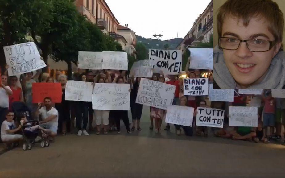 Diano marina è scesa in piazza per Michael, il giovane gravemente malato e ricoverato a Padova