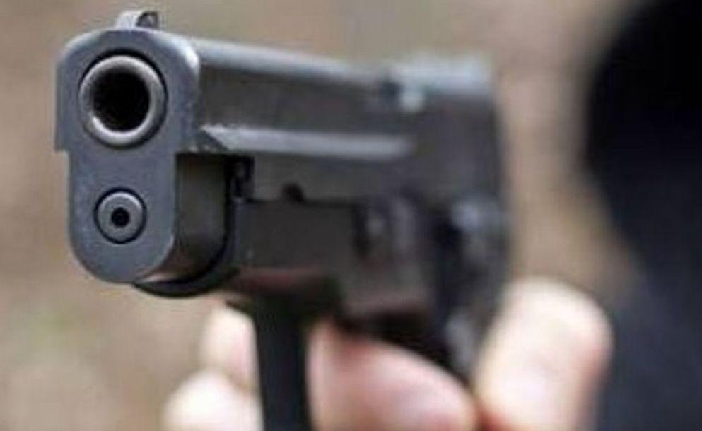 In pieno centro a Novi Ligure, un uomo armato di pistola spara contro un albanese e lo ferisce ad una gamba