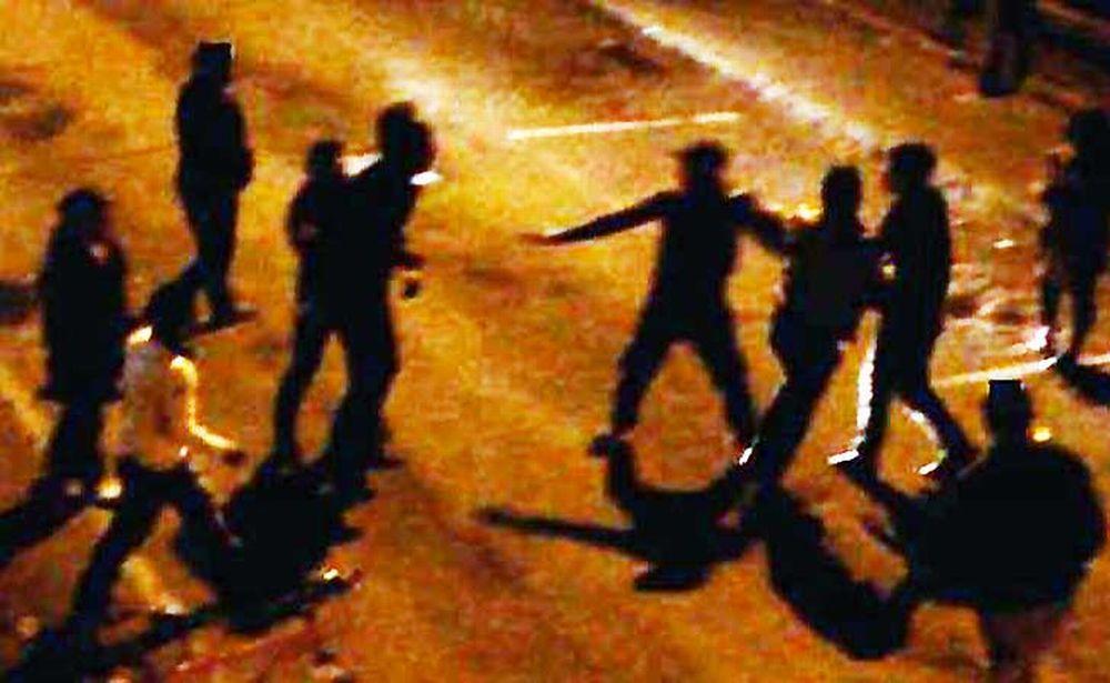 Maxi rissa tra un gruppo di giovani italiani e un altro di stranieri ad Acqui terme con botte da orbi e coltelli