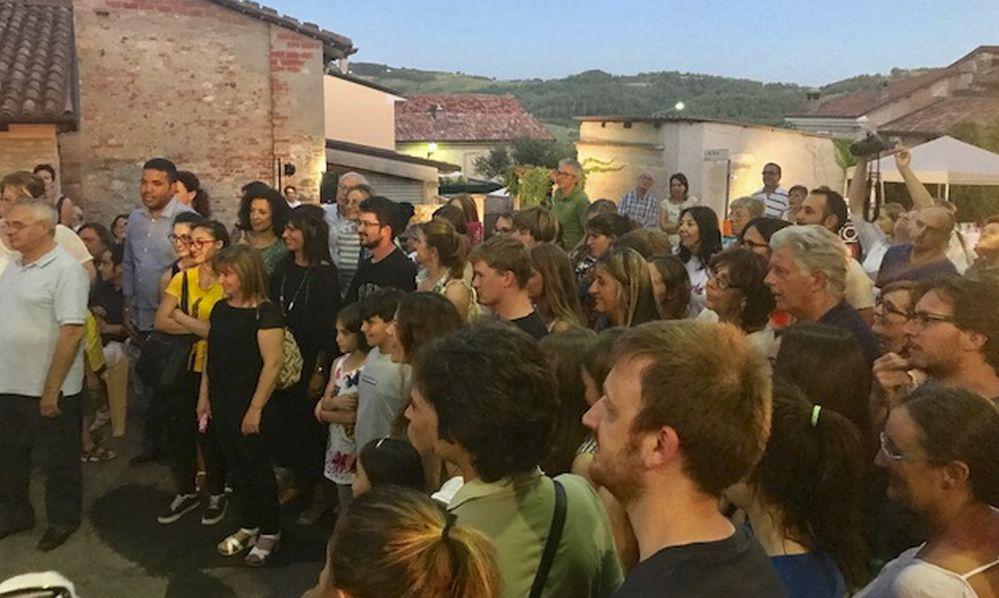 """Vho colpisce ancora: boom di presenze alla frazione tortonese per """"Vho in arte""""/Le immagini"""