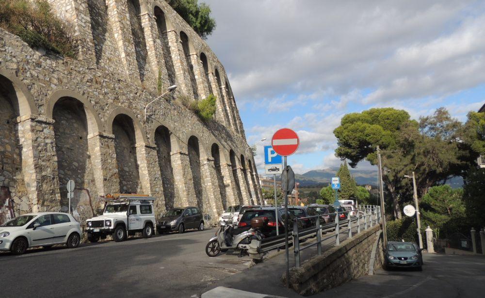 Da lunedì in via Sant'Elmo a Diano marina scatta il divieto di sosta per tutto il mese per i lavori al depuratore