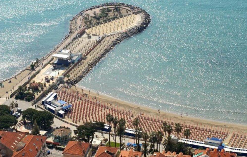 Una nuova struttura polifunzionale sul Molo delle Tartarughe a Diano Marina