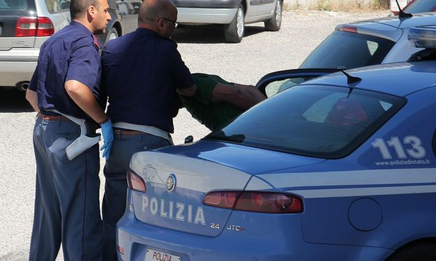 Voghera, cerca di sottrarsi ad un controllo di polizia: fermato e denunciato