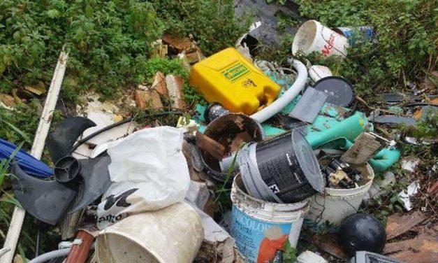 Rifiuti abbandonati alla periferia di Tortona e il Comune paga quasi 9 mila euro per rimuoverli