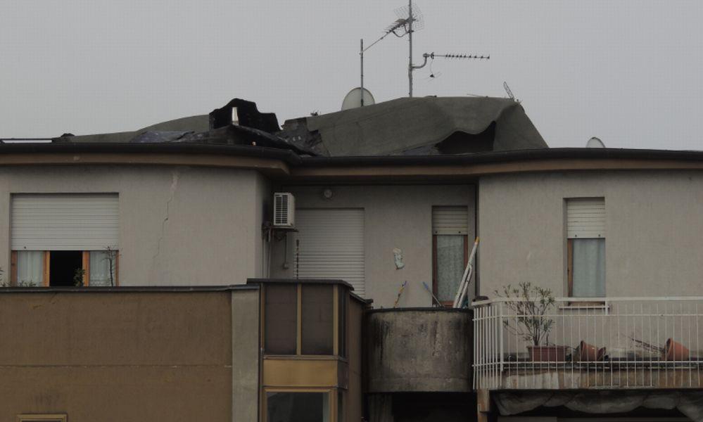 Violento temporale a Tortona: tetti scoperchiati decine di cantine allagate, alberi caduti, cartelli divelti e…/Le immagini