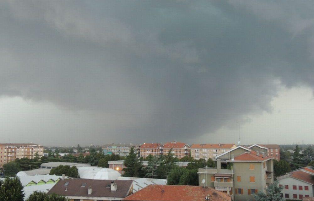 Violento temporale nella notte fra Tortona, Castelnuovo e Sale: 60 interventi dei pompieri